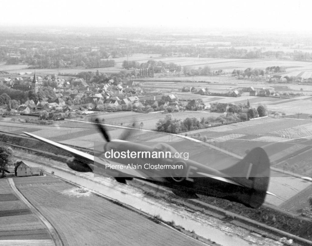Pierre-Clostermann-à-bord-du-Tempest-JF-E-1945.jpg